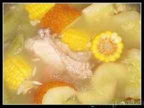 老黄瓜玉米排骨汤